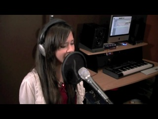 Megan Nicole - Club Can't Handle Me (Dynamite - Flo Rida (feat.David Guetta) / Taio Cruz)